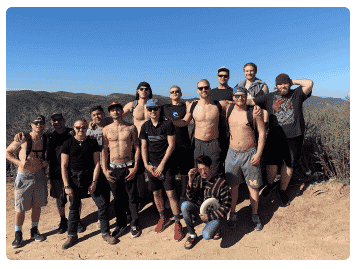 an image of Renaissance Recovery clients hiking